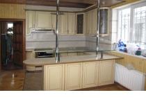 Кухня 10 нашего производства, фасады крашенные патинированные