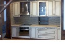 Кухня 12 нашего производства, фасады крашенные патинированные