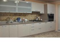 Кухня на заказ 6 нашего производства с фасадами постформинг