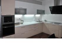 Кухня на заказ 7 нашего производства с фасадами постформинг