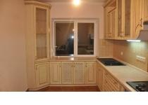 Кухня на заказ 4 нашего производства с деревянными фасадами