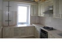 Кухня на заказ 6 нашего производства с деревянными фасадами