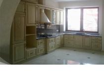 Кухня на заказ 7 нашего производства с деревянными фасадами