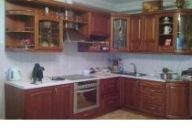 Кухня на заказ 8 нашего производства с деревянными фасадами