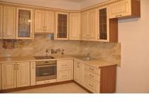 Кухня на заказ 11 нашего производства с деревянными фасадами