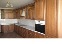 Кухня на заказ 15 нашего производства с деревянными фасадами