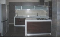 Кухня на заказ 9 нашего производства со шпонированными фасадами
