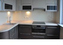 Кухня на заказ 13 нашего производства с комбинированными фасадам
