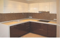 Кухня на заказ 16 нашего производства с комбинированными фасадам