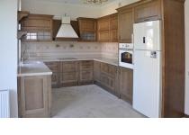 Кухня на заказ 17 нашего производства с деревянными фасадами