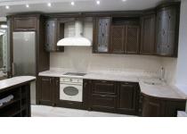 Кухня на заказ 18 нашего производства с деревянными фасадами