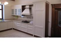 Кухня на заказ 19 нашего производства с крашенными фасадами