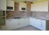 Кухня на заказ 20 нашего производства с деревянными фасадами