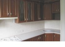 Кухня на заказ 23 нашего производства с деревянными фасадами