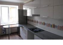 Кухня на заказ 21 нашего производства с пленочными фасадами